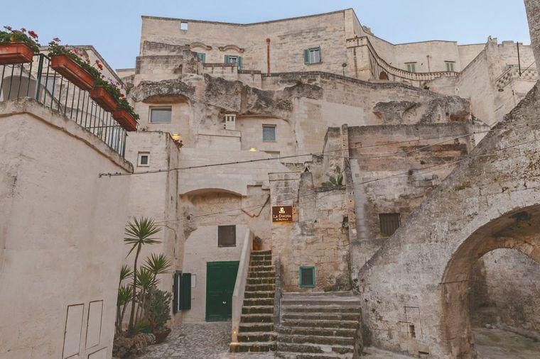 Spolja pećina, a unutra čist luksuz: U ovaj italijanski hotel mogu ući samo odabrani! (FOTO)
