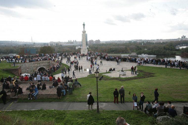 Evropski dan parkova: Na Kalemegdanu postavljene nove i popravljene stare klupe