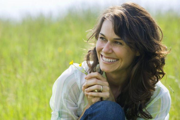 Stotine ljudi spasio od ćelavosti: Najstariji lek za opadanje i ponovni rast kose! (RECEPT)