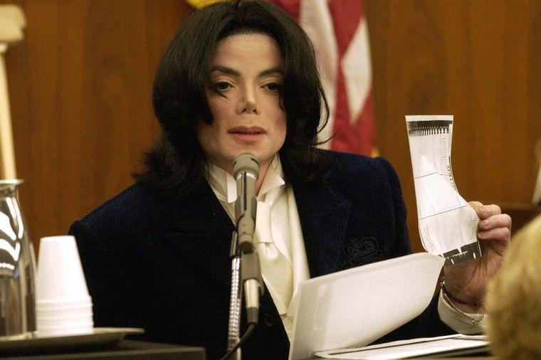 Nakon 30 godina isplivala bolesna pisma Majkla Džeksona: Devojčici (12) poručio da luduje za njom!