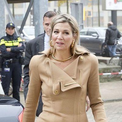 Holandska kraljica skinula sa trona Kejt Midlton: Modnom kombinacijom oduševila sve! (FOTO)