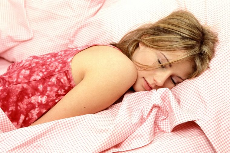 Kako menstruacija utiče na mozak žene: Podivljali hormoni teraju na lude postupke!