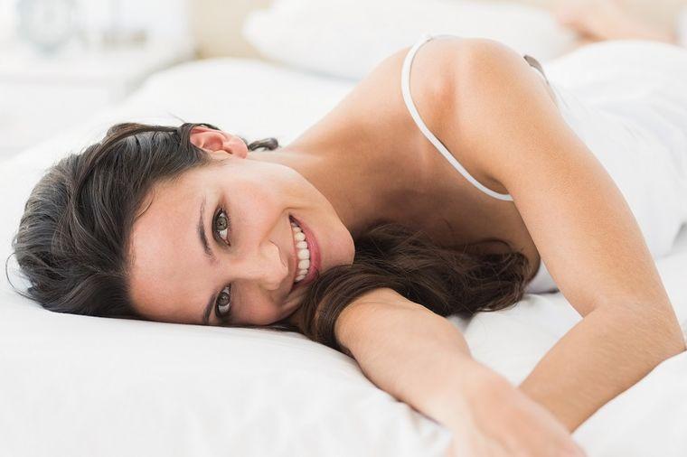 Večita ženska muka: Kako da se rešite uraslih dlačica na nogama!
