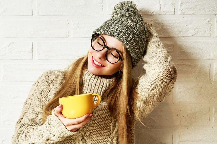 Ovaj čaj Rusi piju svakog dana: Popravlja vid, čisti sav otpad iz bubrega! (RECEPT)
