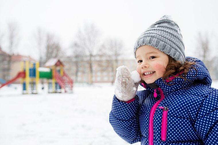Da bi dete bilo zdravo i neustrašivo roditelji rade nezamislivo: Vaspitanje na malo drugačiji način!