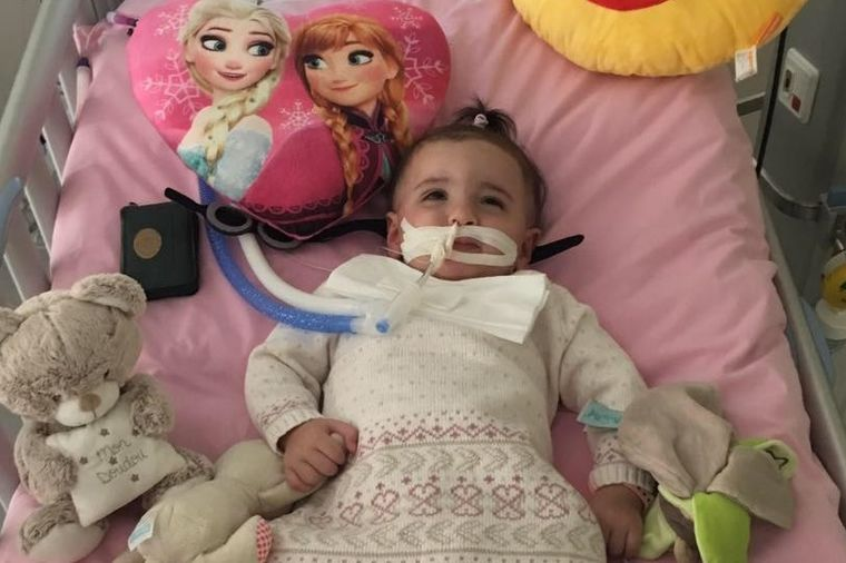 Lekari hteli da isključe bebu sa aparata: 10 dana nakon konačne odluke suda, desilo se čudo! (VIDEO)