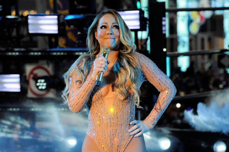 Izblamirala se pred celim svetom: Nezapamćeni skandal slavne pevačice! (FOTO, VIDEO)