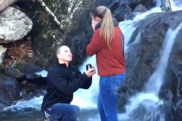 Zaprosio je i rekla je Da: A onda je usledio pravi pakao! (VIDEO)