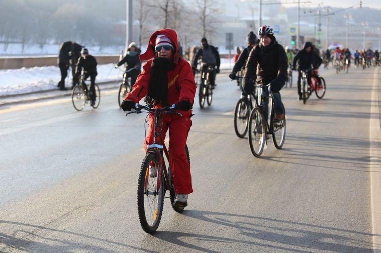 Debeli minus im ne može ništa: Ruska parada biciklista održana na -27!