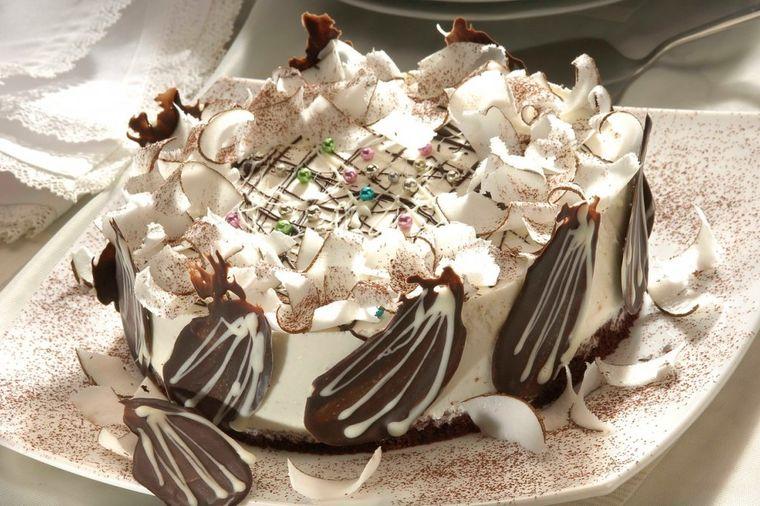Torta Grofica: Gospodski dezert za svečanu priliku! (RECEPT)