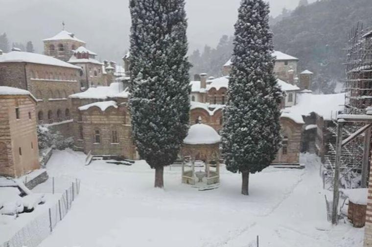 Sneg na Svetoj Gori