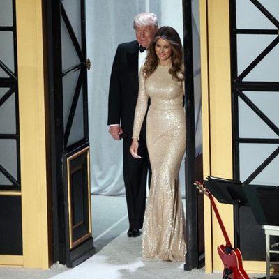 Donald i njegova zlatna supruga: Melanija Tramp je zvezda večeri u Vašingtonu! (FOTO)