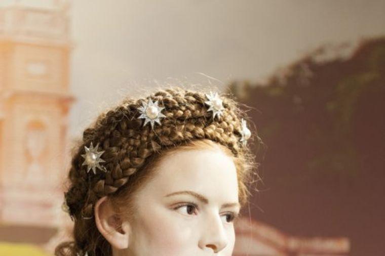 Imala je kosu do poda, struk 48 cm, lice bez mrlje: Carica Sisi čuvala lepotu pomoću ove maske!