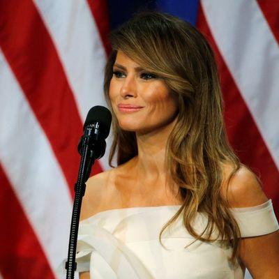 Bez reči, jedan gest je bio dovoljan: Melanija očitala bukvicu Donaldu Trampu pred svima!
