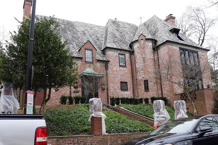 Ne odriču se luksuza: U ovoj kući će od sad živeti porodica Obama! (FOTO)