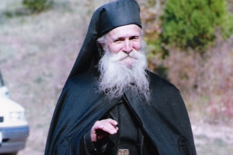 Uzdaj se u Boga i pobedićeš svaki problem: Poučna priča oca Tadeja!