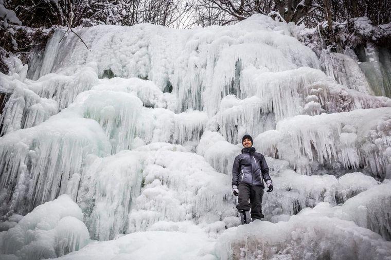Najlepši vodopad u Srbiji okovan ledom: Prizor lepši i od bajke! (FOTO)