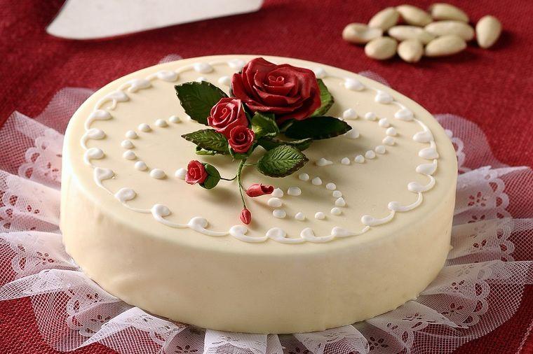 Svečana torta, Profimedia