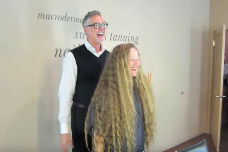 Dvadeset godina nije kratila kosu: Nakon šišanja ni najbliži je nisu prepoznali! (VIDEO)