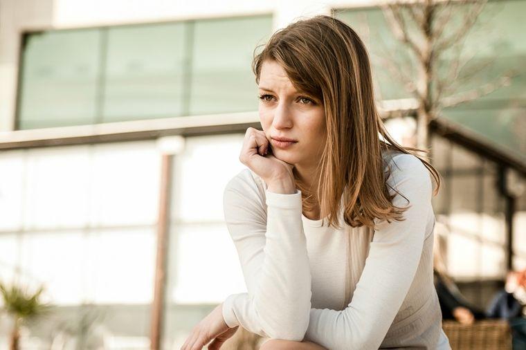 Upala bešike kod žena mora da se leči: Uzroci i simptomi podmukle infekcije!