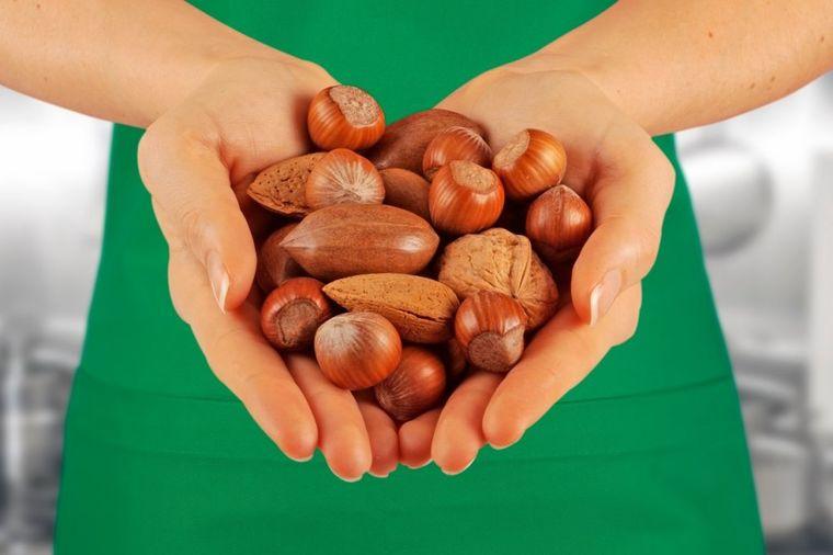 Sirovi lešnik bolji od leka: Najbolji izvor vitamina B, E, folne kiseline i zdravih masnoća!