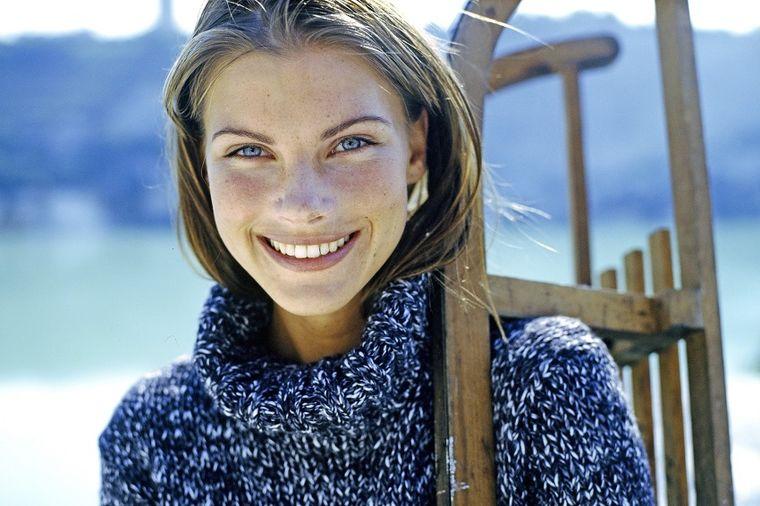 Opadanje kose i obrva kod žena: Recept od 2 sastojka obnavlja folikule i podstiče rast!