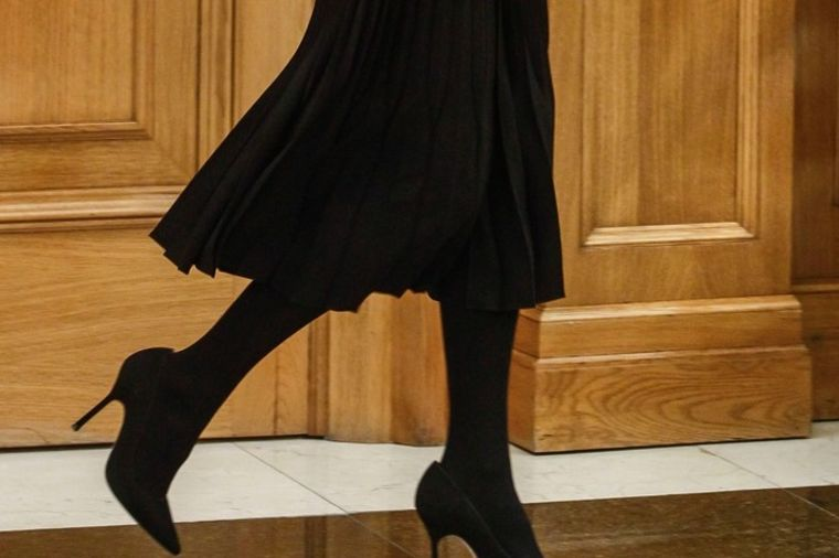 Sofisticirana i ženstvena: Damska odevna kombinacija sa kojom nema greške! (FOTO)
