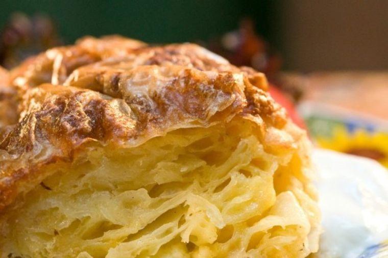 Prava srpska gibanica: Moćno i bogato jelo na kojem se ne štedi! (RECEPT)
