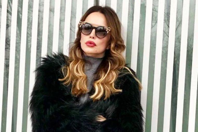 Grčka boginja: Svetske zvezde poludele za Severininom torbom! (FOTO)