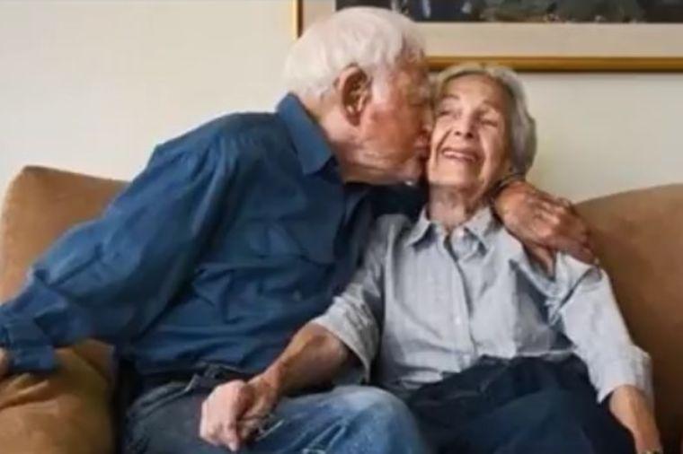 Stogodišnjaci u braku 78 godina: Deka nikada nije rekao supruzi da je voli, evo zašto! (FOTO)