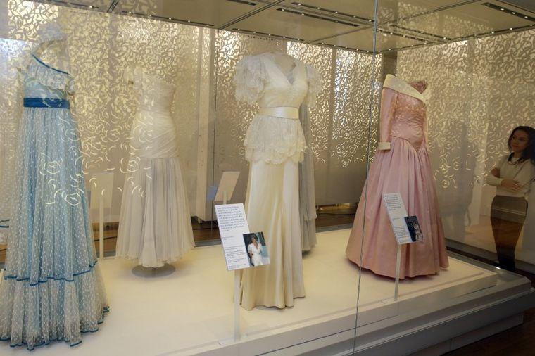 20 godina od pogibije: U Londonu predstavljena izložba o princezi Dajani (FOTO)