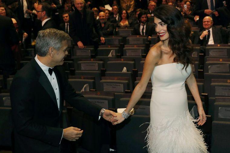Amal Kluni uživa u slavi: Brak sa Džordžom mi je koristan! (FOTO)