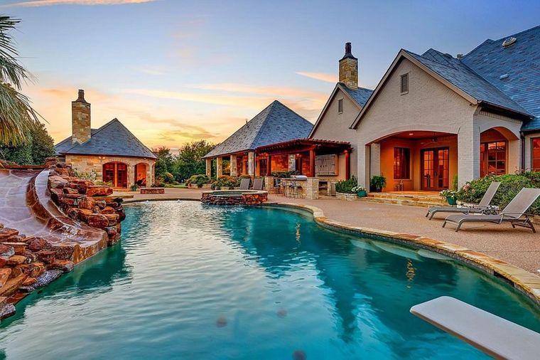 Svi su se krstili kad su čuli da prodaje ovu kuću: Razlog? Prilično bahat! (FOTO)