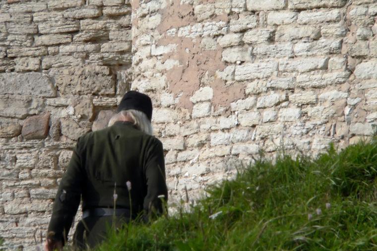 Jezivo proročanstvo starca Lavrentija: Crkve će postojati, pravoslavni hrišćani u njih neće smeti!