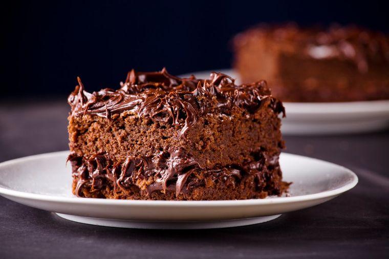 Kolač pun oraha i čokolade: Bezimeni desert niko ne zaboravlja! (RECEPT)