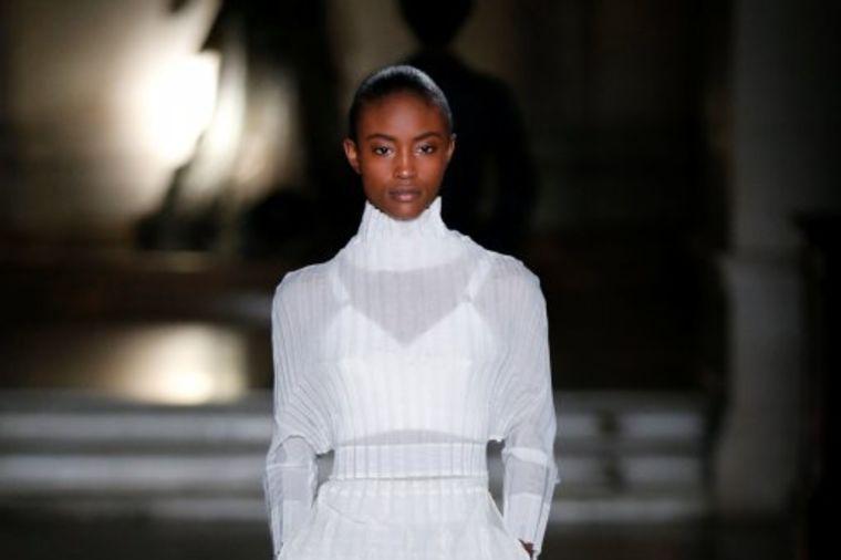 Stela Mekartni na Nedelji mode u Parizu: Kolekcija za jesen/zimu 2017/2018.
