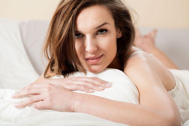Žena u krevetu, Foto: Thinkstock