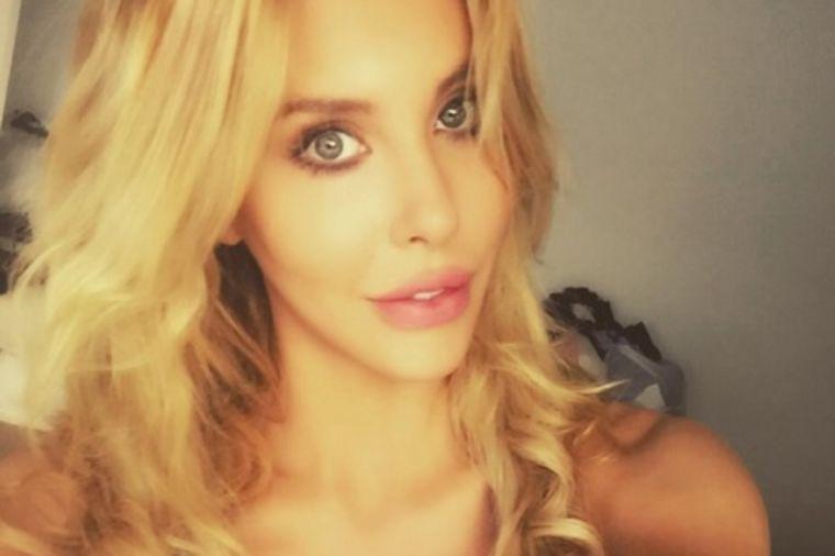Kćerka poznate glumice počela sa plastičnim operacijama kao maloletnica: Unakažena sam! (FOTO)