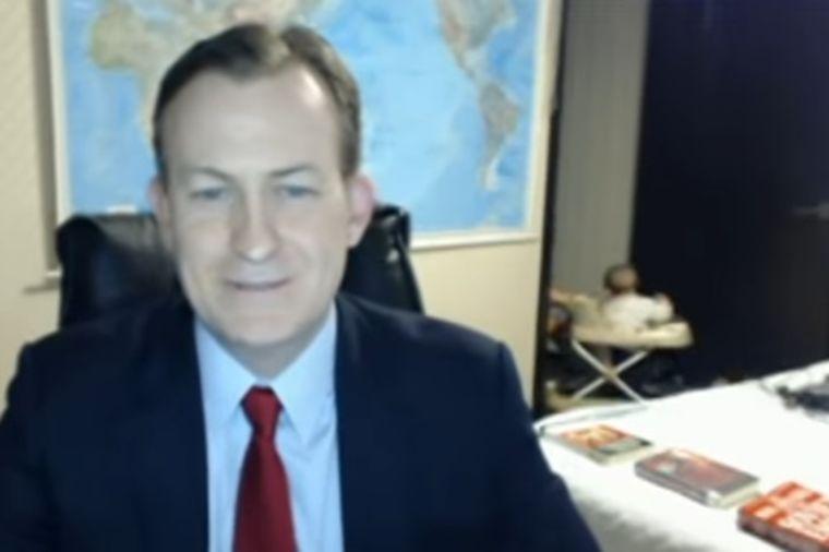 Danas svi gledaju ovaj video: Deca uletela u direktno uključenje u ozbiljnu emisiju! (VIDEO)