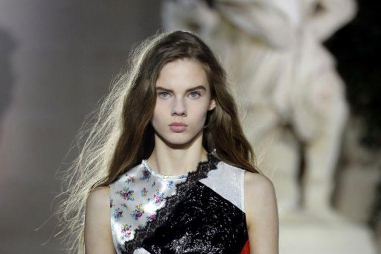 Luj Viton revija na Nedelji mode u Parizu: Strogi krojevi, krzno, urbani detalji