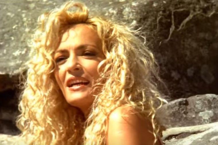 Pevala je Alabinu pre 21 godinu i svi muškarci su uzdisali za njom: Ovako izgleda danas! (FOTO)