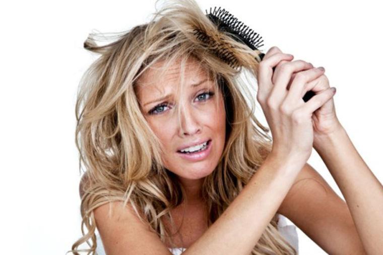 Lek za zamršenu kosu: Konačno se očešljajte bez čupanja, bola, pucanja i opadanja kose!