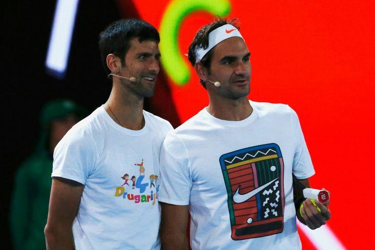 Nole zapevao sa Federerom: Teniski asovi napravili pravi spektakl! (VIDEO)