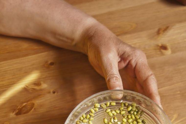 Gatanje u pasulj: Zavirite u svoju budućnost u nekoliko jednostavnih koraka!