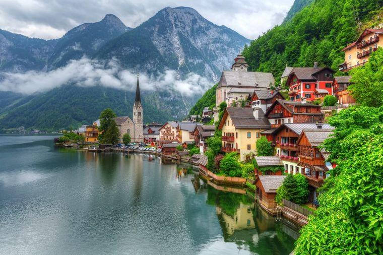 Gradić u samom srcu prirode: Nema gradskog prevoza, živi se u kućicama na jezeru! (FOTO)