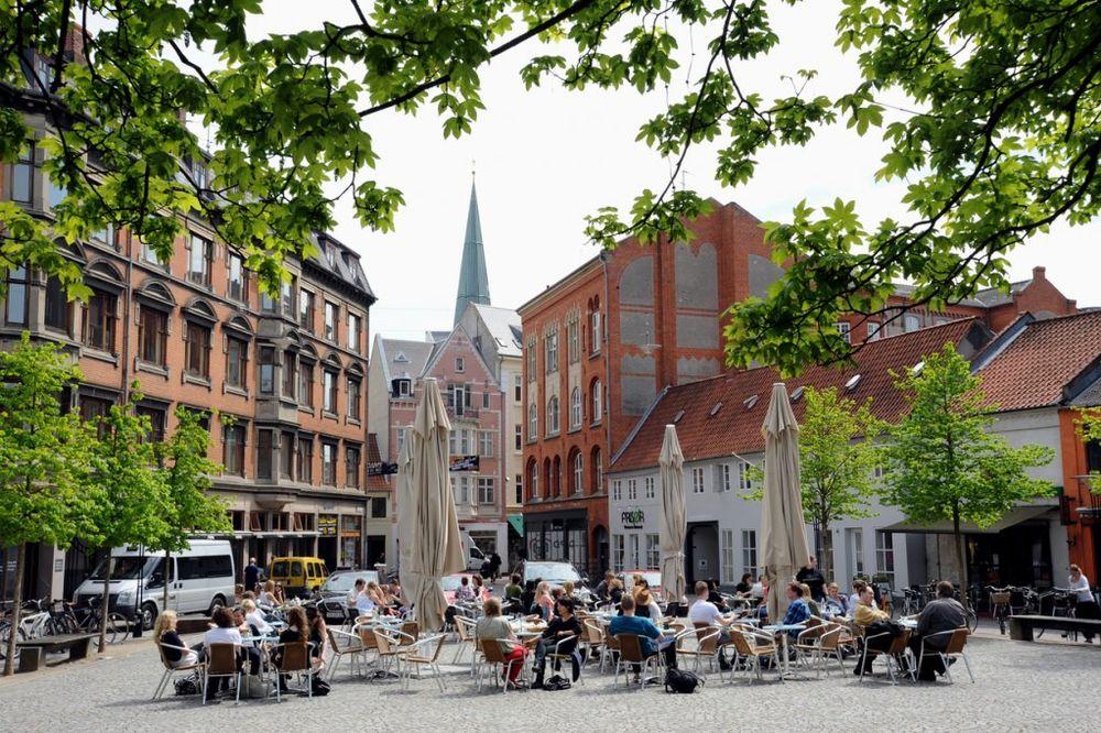 Orhus u Danskoj često nazivaju predstavnikom evropske kulture. Oni koji vole kulturne događaje ovde će nahraniti svoju dušu tokom cele godine. Foto: Profimedia