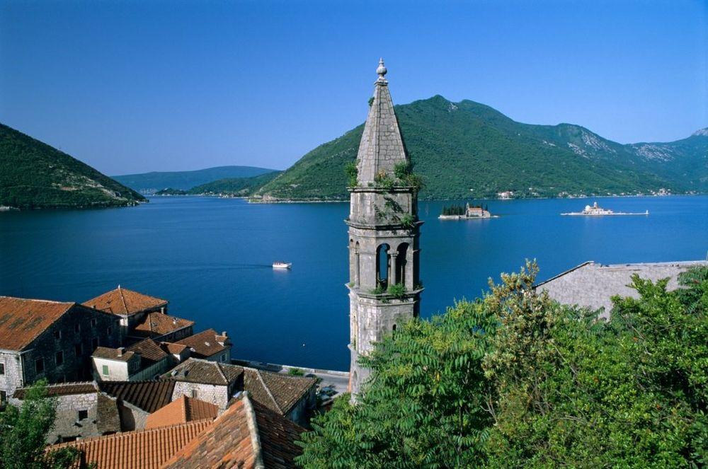 Svi smo mi barem jednom u životu bili u Crnoj Gori, ali da li ste posetili Kotor. Grad zaštićen UNESCO-m predstavlja pravi mali mediteranski raj. Izuzetan spoj istorije i modernog načina života oduševiće vas bez razmišljanja. Foto: Profimedia