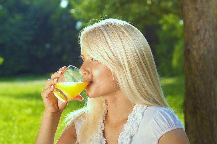 Posle prve čaše počinje obnavljanje jetre, a onda i celog tela: Sok koji osvežava i leči za 7 dana!