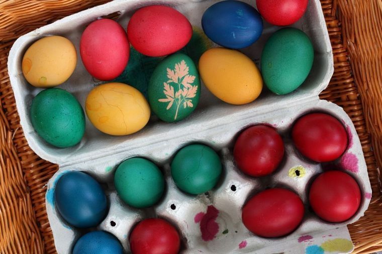 Kako da ofarbate jaja prirodnim bojama: Ovako su radile naše bake!
