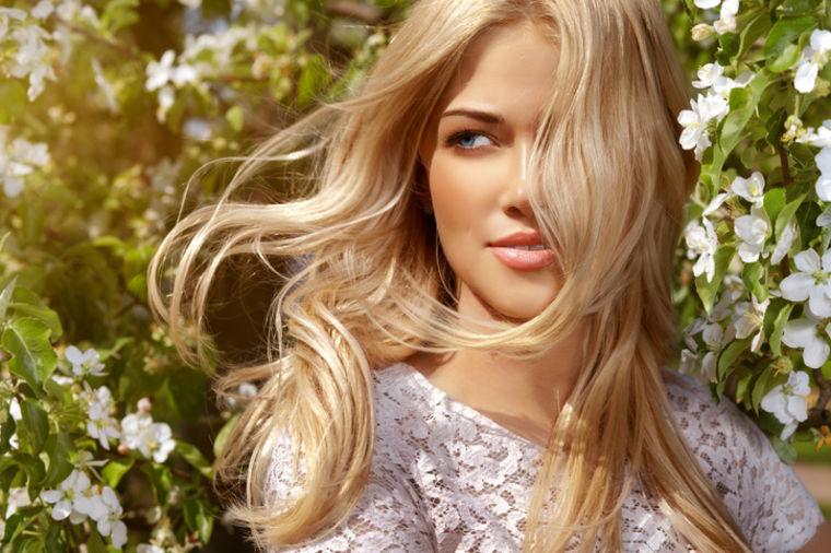 Domaća maska za oštećenu kosu: Oporaviće oštećene vrhove od farbanja, peglanja i feniranja! (RECEPT)